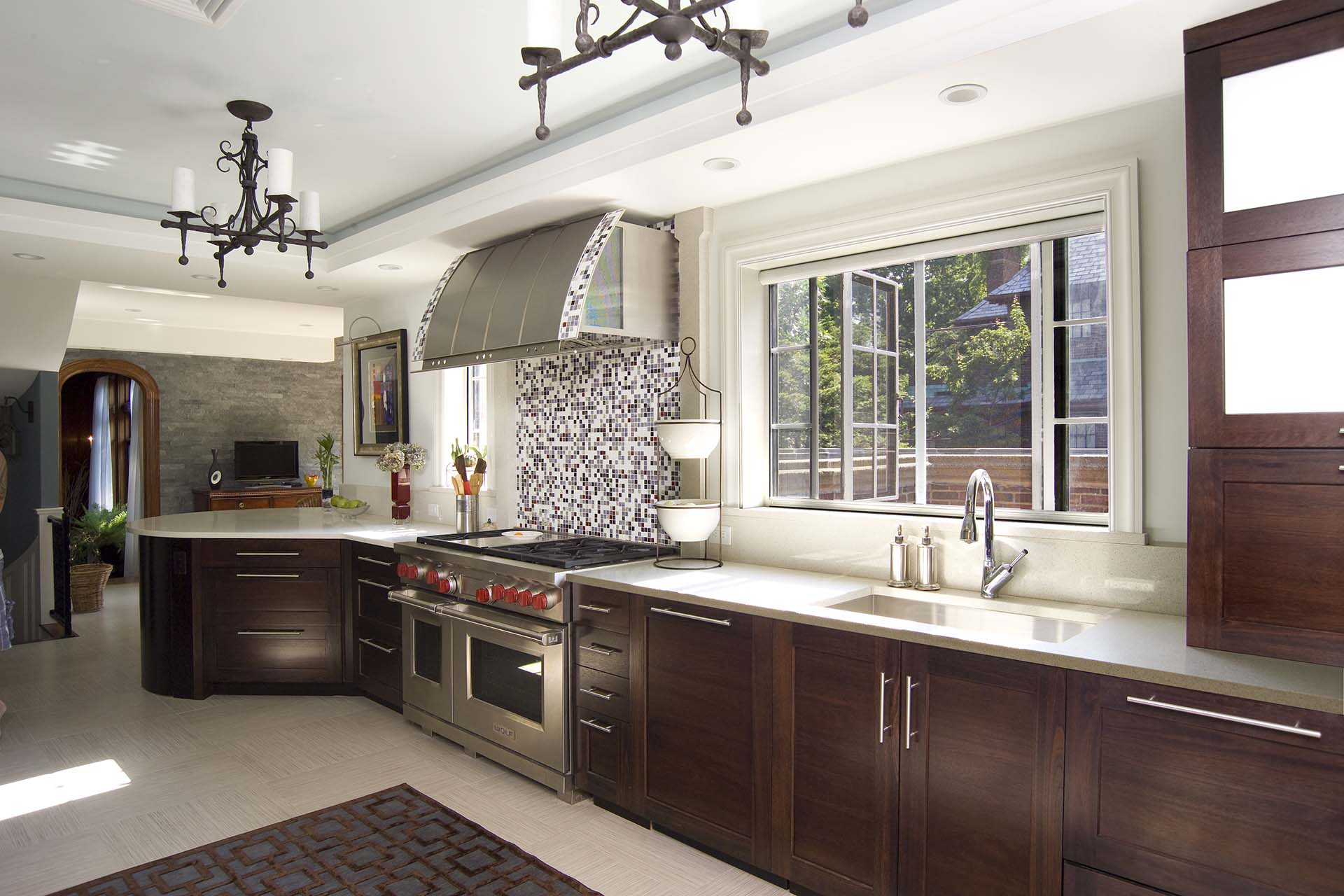 Open up your Boston kitchen windows and let in fresh air with Phantom window screens