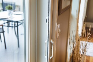 Professional Series by Phantom™ is the original retractable door screen by Phantom Screens that uses a magnet latching system.