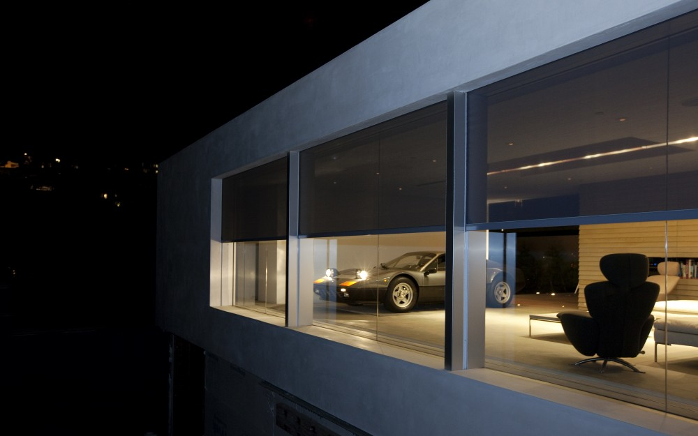 Phantom Screens' motorized retractable screens in use in Los Angeles, CA.