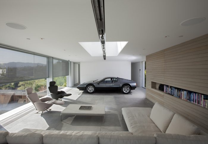 The Hardt Ultimate Garage 01 resize 700x485 In Praise of Shadows (2014) by Pitsou Kedem Architects Architecture Concrete Courtyard Decor Design Interior Design Minimal  Shadows pool Pitsou Kedem Architects patterns modern mercedes lighting israel garage classic car checker car Amit Geron   Image of Ultimate Garage 01 resize 700x485